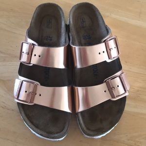 Birkenstock Arizona 💔 soft footbed